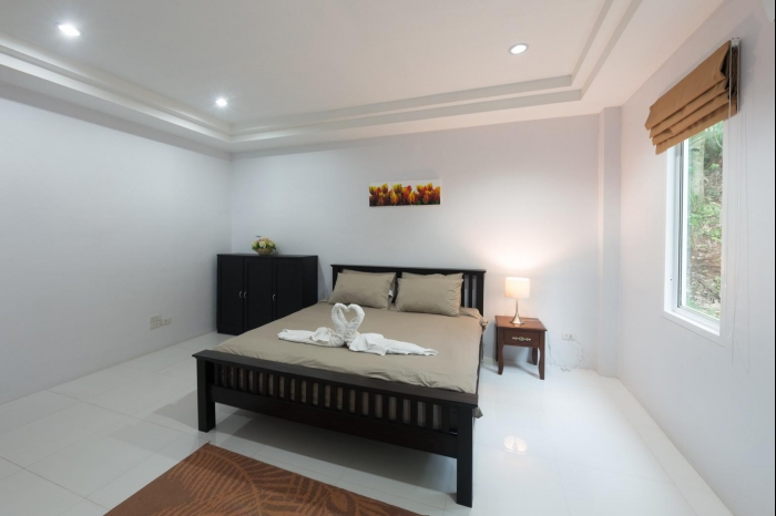 Sea view house in Karon for rent-18.jpg