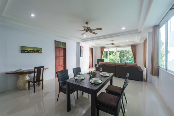 Sea view house in Karon for rent-5(1).jpg