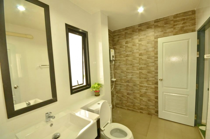 Charming House in Kathu for  Rent-e.jpg