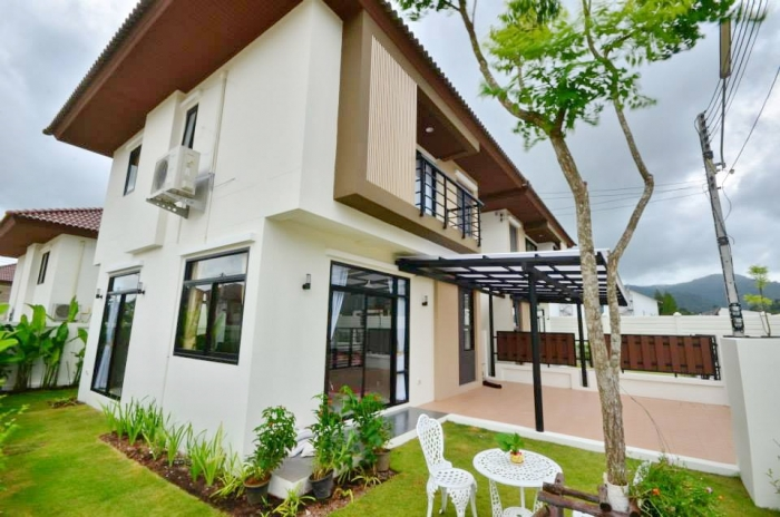 Charming House in Kathu for  Rent-g.jpg