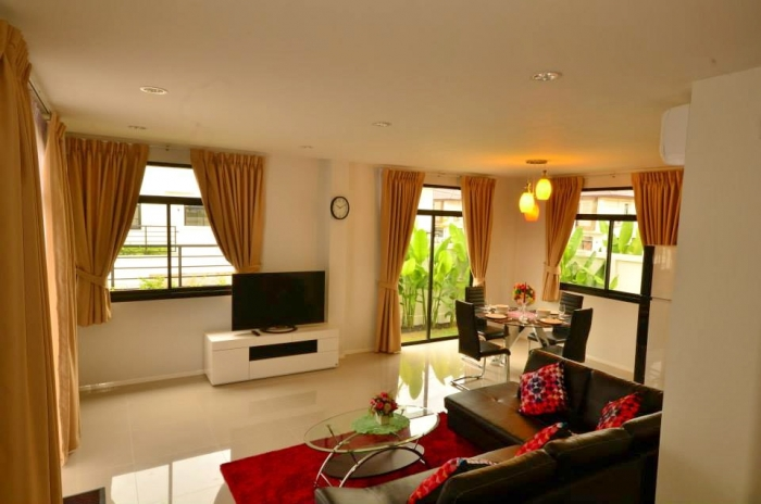 Charming House in Kathu for  Rent-b.jpg