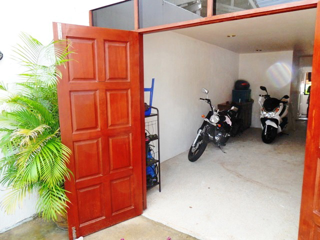 Private Cozy Villa in Kathu for Sale-N.JPG