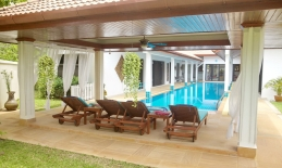 Phuket Tropical Property - Modern Thai pool villa in Chalong for Sale