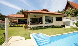 Phuket Tropical Property - Private pool villa in Naiharn for sale